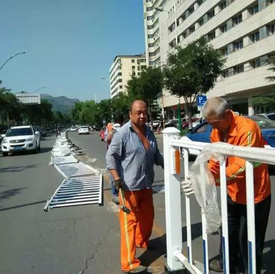 市政隔離護欄安裝